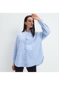 Mohito - Bawełniana koszula oversize - Niebieski. Kolor: niebieski. Materiał: bawełna