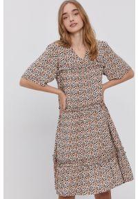 Y.A.S - Sukienka. Kolor: czarny. Materiał: tkanina. Długość rękawa: krótki rękaw. Typ sukienki: rozkloszowane