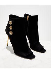 Czarne botki Balmain z cholewką przed kolano, na szpilce, z aplikacjami, z otwartym noskiem