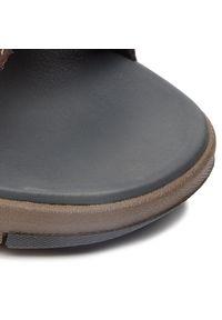 Clarks - Sandały CLARKS - Brixby Shore 261315497 Dark Brown Leather. Kolor: brązowy. Materiał: skóra. Sezon: lato. Styl: klasyczny, elegancki