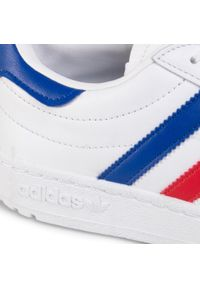 Białe buty sportowe Adidas z cholewką, na co dzień
