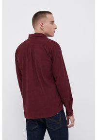 Wrangler - Koszula sztruksowa. Typ kołnierza: kołnierzyk klasyczny. Kolor: czerwony. Materiał: sztruks. Długość rękawa: długi rękaw. Długość: długie. Styl: klasyczny