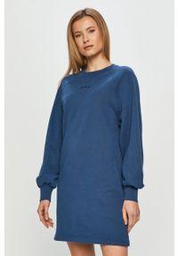 Levi's® - Levi's - Sukienka. Okazja: na spotkanie biznesowe. Kolor: niebieski. Materiał: dzianina. Długość rękawa: raglanowy rękaw. Styl: biznesowy