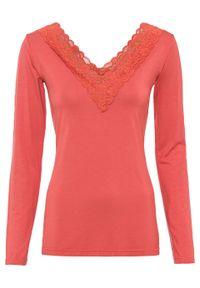 Czerwona bluzka bonprix długa, w koronkowe wzory, z długim rękawem