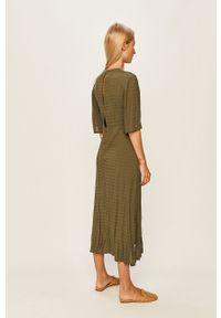 Oliwkowa sukienka Pepe Jeans midi, na co dzień, gładkie