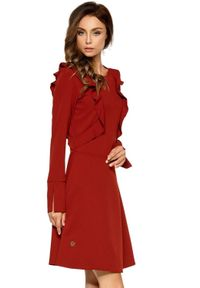 Lemoniade - Rozkloszowana sukienka z ozdobnymi falbankami. Typ kołnierza: kołnierz z falbankami. Materiał: materiał. Długość rękawa: długi rękaw. Styl: elegancki, klasyczny