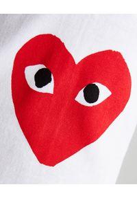 COMME DES GARCONS PLAY - Biała koszulka z czerwonymi sercami. Kolor: biały. Materiał: bawełna, dresówka, jeans. Długość rękawa: długi rękaw. Długość: długie. Styl: sportowy