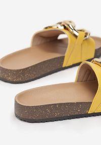 Born2be - Żółte Klapki Gallegen. Kolor: żółty. Materiał: jeans, materiał, guma