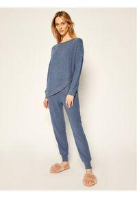 Niebieska piżama Triumph
