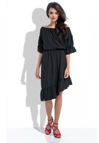 Czarna sukienka z falbanami Fobya z dekoltem typu hiszpanka, asymetryczna