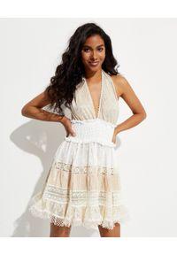 CHIO - Patchworkowa sukienka z koronką. Kolor: biały. Materiał: koronka. Wzór: koronka. Długość: mini