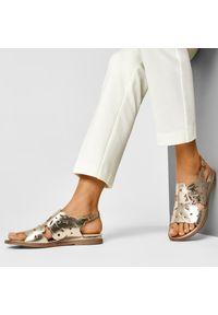 Złote sandały Libero na co dzień, casualowe