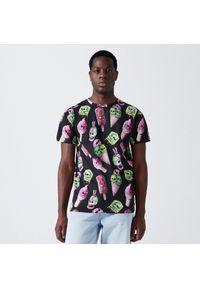 Cropp - Koszulka z nadrukiem all over - Czarny. Kolor: czarny. Wzór: nadruk