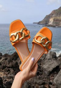 Renee - Pomarańczowe Klapki Absyrobus. Kolor: pomarańczowy