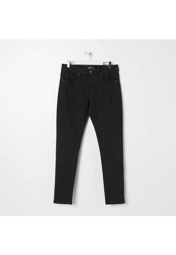 Sinsay - Jeansy slim fit - Czarny. Kolor: czarny