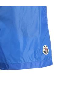 MONCLER - Niebieskie kąpielówki z logo. Kolor: niebieski. Materiał: materiał. Wzór: aplikacja