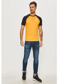 Żółty t-shirt The North Face na co dzień, z nadrukiem