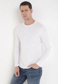 Biała koszulka z długim rękawem Born2be