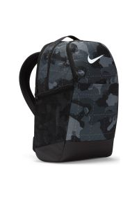 Plecak Nike Brasilia DB1161. Materiał: materiał, poliester. Wzór: paski. Styl: casual