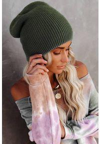 Zielona czapka IVET klasyczna