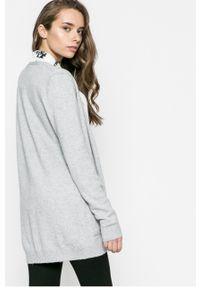 Szary sweter rozpinany Vila na co dzień, casualowy