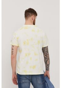 Guess - T-shirt. Okazja: na co dzień. Kolor: żółty. Materiał: dzianina, bawełna. Wzór: nadruk. Styl: casual #4