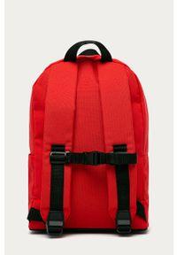 Czerwony plecak Adidas z motywem z bajki