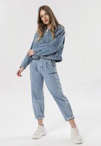Born2be - Niebieska Kurtka Jeansowa Evakea. Kolor: niebieski. Materiał: jeans
