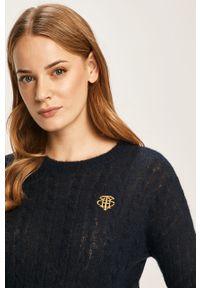 Niebieski sweter TOMMY HILFIGER casualowy, na co dzień