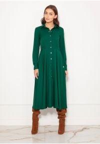 e-margeritka - Sukienka koszulowa długa elegancka zielona - 36. Okazja: do pracy. Kolor: zielony. Materiał: poliester, materiał. Długość rękawa: długi rękaw. Typ sukienki: koszulowe. Styl: elegancki. Długość: maxi