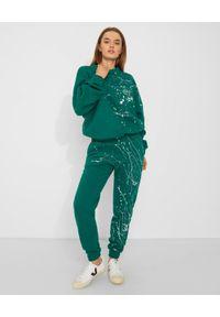 JOANNA MUZYK - Zielona bluza Love Me. Kolor: zielony. Materiał: dresówka, dzianina, materiał, bawełna. Wzór: napisy, aplikacja