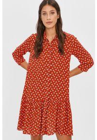 Czerwona sukienka Answear Lab casualowa, rozkloszowana