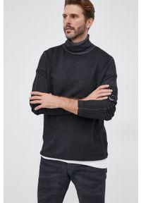 C.P. Company - Sweter wełniany. Typ kołnierza: golf. Kolor: czarny. Materiał: wełna