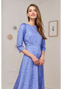 Marie Zélie - Sukienka Aerin Idella niebieska. Kolor: niebieski. Materiał: bawełna, satyna, skóra, materiał. Typ sukienki: trapezowe