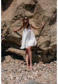 Marsala - Sukienka na cienkich ramiączkach z muślinu bawełnianego w kolorze ecru - MALAGA BY MARSALA. Kolekcja: moda ciążowa. Materiał: bawełna. Długość rękawa: na ramiączkach. Sezon: lato