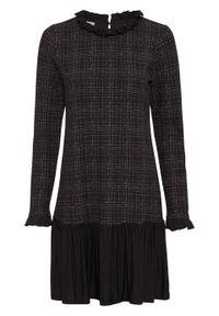 Sukienka z falbanami bonprix czarno-biel wełny w kratę. Kolor: czarny. Materiał: wełna