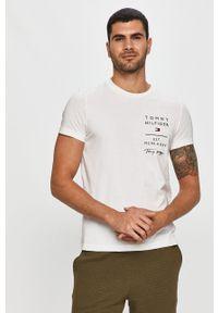 Biały t-shirt TOMMY HILFIGER casualowy, z nadrukiem, na co dzień