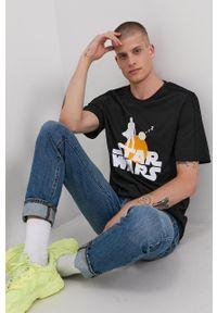 Adidas - adidas - T-shirt bawełniany x Star Wars. Okazja: na co dzień. Kolor: czarny. Materiał: bawełna. Wzór: motyw z bajki. Styl: casual