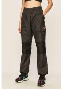 Szare spodnie materiałowe Reebok Classic