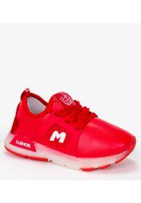 Casu - Czerwone buty sportowe sznurowane casu b331/7. Kolor: czerwony