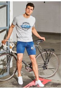 """Długie szorty dżinsowe dresowe z aplikacjami, Slim Fit bonprix niebieski """"stone"""". Kolor: niebieski. Długość: długie. Wzór: aplikacja"""