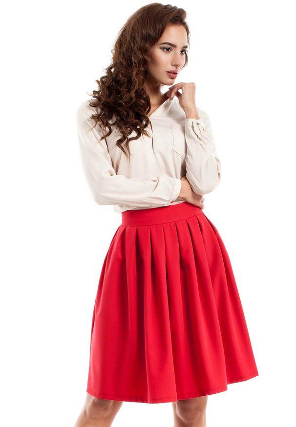 MOE - Czerwona Spódnica Midi z Plisowaniami. Kolor: czerwony. Materiał: wiskoza, poliester, elastan