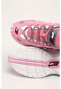 Różowe buty sportowe Tommy Jeans z cholewką, na sznurówki