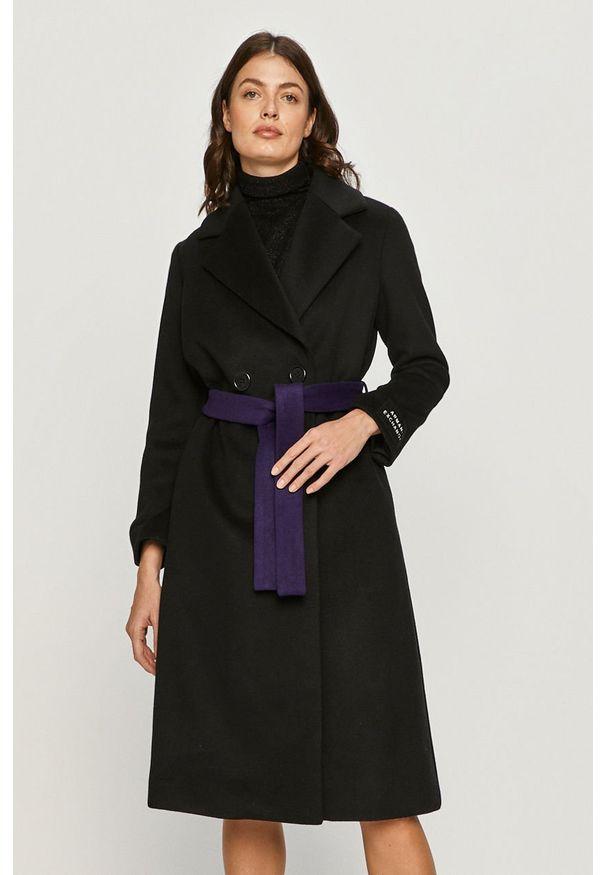 Czarny płaszcz Armani Exchange bez kaptura