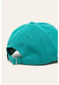 Turkusowa czapka z daszkiem Lacoste