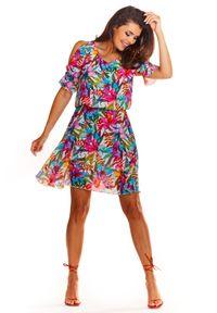 e-margeritka - Zwiewna sukienka mini we wzory - 36. Materiał: tkanina, szyfon, materiał, poliester. Typ sukienki: rozkloszowane. Styl: wakacyjny. Długość: mini