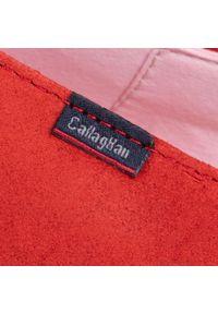 Czerwone półbuty Callaghan na płaskiej podeszwie, z cholewką