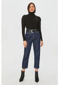 Answear Lab - Sweter. Typ kołnierza: golf. Kolor: czarny. Materiał: dzianina, materiał. Długość rękawa: długi rękaw. Długość: długie. Styl: wakacyjny