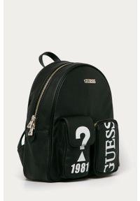 Czarny plecak Guess z nadrukiem