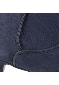 Niebieskie botki Gino Rossi z cholewką, na średnim obcasie, na obcasie